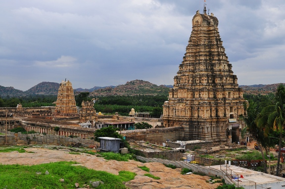 Virupaksha temple at Hampi